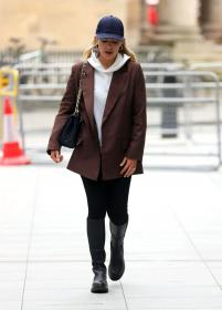 mollie_king_-_in_london_20210219__2_.jpg