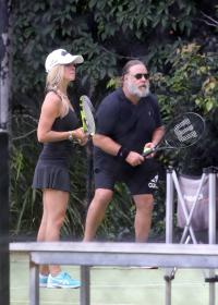 britney-theriot-playing-tennis-in-sydney-09.jpg