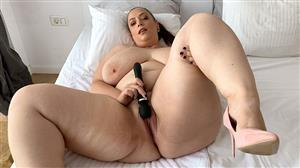pornmegaload-21-02-18-mia-sweetheart-and-the-man-from-deep-fingers.jpg