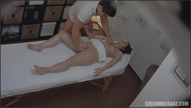 Czechav.com- 18 yo fucks the masseuse