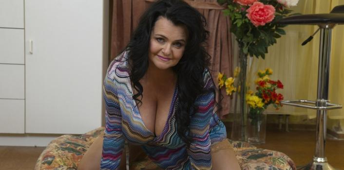 Mature.nl- Sexy curvy mature lady with beautiful big natural tits enjoying her toy