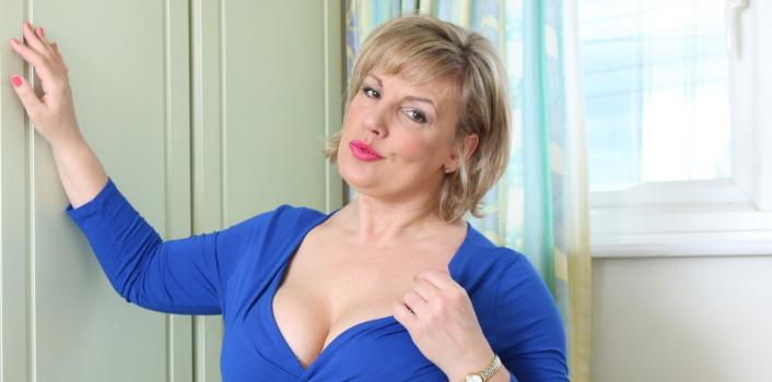 Mature.nl- Older MILF with a delicious body