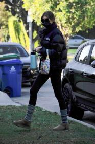 kaia-gerber-heads-to-workout-in-la-02-26-2021-6.jpg