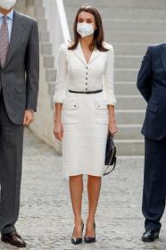queen-letizia-inauguration-of-the-helga-de-alvear-modern-art-museum-in-careers-0.jpg