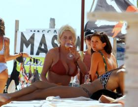caroline-vreeland-on-a-her-vacation-in-tulum-10.jpg