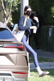 kendall-jenner-heads-to-a-pilates-in-west-hollywood-04.jpg