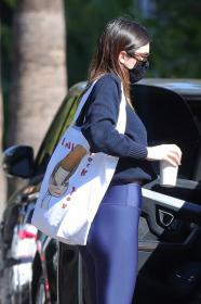 kendall-jenner-heads-to-a-pilates-in-west-hollywood-13.jpg