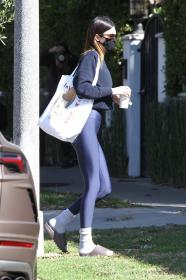 kendall-jenner-heads-to-a-pilates-in-west-hollywood-17.jpg