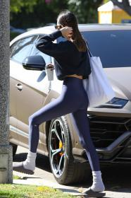 kendall-jenner-heads-to-a-pilates-in-west-hollywood-26.jpg