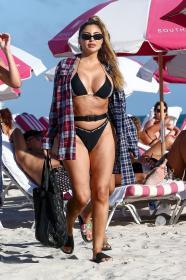 larsa-pippen-in-a-black-bikini-in-miami-beach-10.jpg