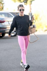 lucy-hale-in-a-pink-leggings-arrives-at-a-pilates-class-in-los-angeles-04.jpg