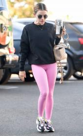 lucy-hale-in-a-pink-leggings-arrives-at-a-pilates-class-in-los-angeles-07.jpg