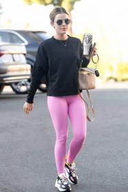 lucy-hale-in-a-pink-leggings-arrives-at-a-pilates-class-in-los-angeles-10.jpg