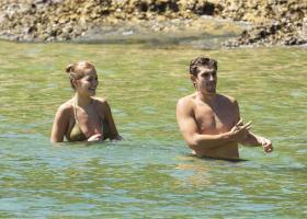rita-ora-in-a-bikini-in-sydney-harbor-with-her-sister-09.jpg