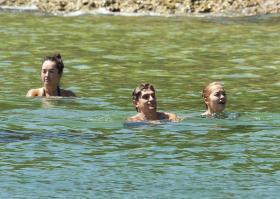 rita-ora-in-a-bikini-in-sydney-harbor-with-her-sister-10.jpg
