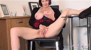 auntjudys-20-11-03-seducing-auntie-tigger-jerk-off-instruction.jpg
