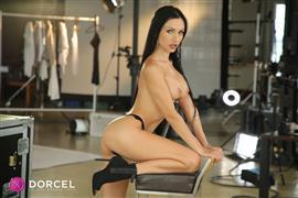 dorcelclub-21-02-10-sasha-rose-work-and-sex.jpg