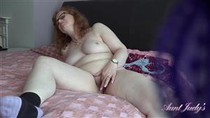auntjudys-20-12-06-spying-on-auntie-fiona-masturbating.jpg