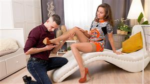 footsiebabes-21-02-16-liza-shay-date-night-footsie.jpg